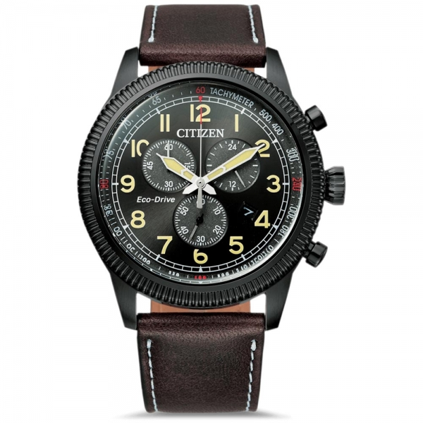 Citizen Eco-Drive Military Chronograph Herrenuhr 43mm Schwarz mit braunem Lederarmband AT2465-18E | UHREN01